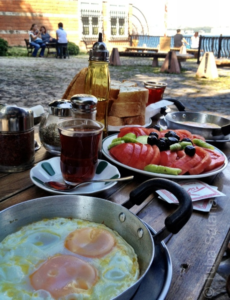 breakfast at Kuzguncuk